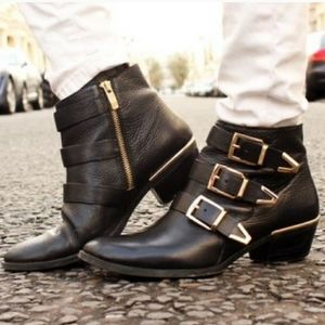 VINCE COMUTO | Tipper Buckle Leather Booties